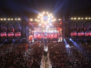 """ULTRA KOREA 2014"" DAY 2 Photo Report"