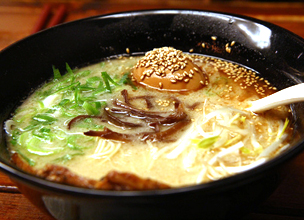 "[Report from Lee in Busan] Hakata style tonkotsu ramen is being enjoyed in ""Umaido"""