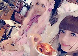 #8 Misako was at a Lolita tea party in Korea for the first time in 6 years!