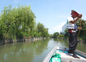 Boat cruising<br />[Yanagawa City]